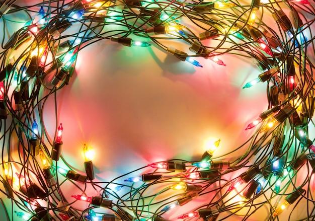 Rama kolorowe lampki świąteczne. girlanda ozdobna