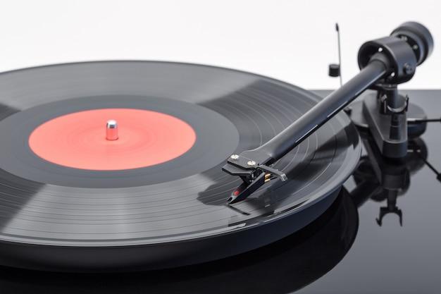 Ramię z wkładką gramofonu z płytą