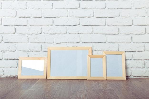 Ramka na zdjęcia na ścianie z cegły