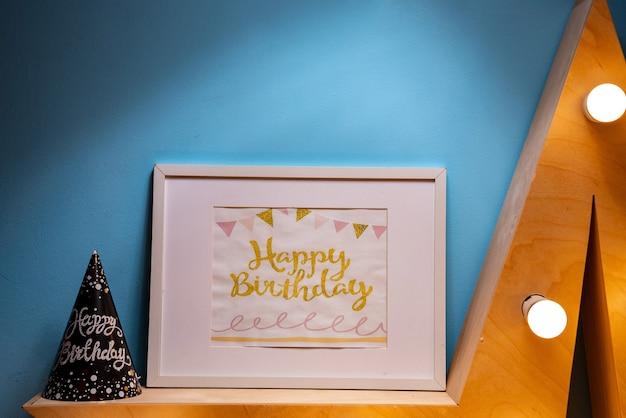 Ramka z okazji urodzin na niebieskim tle
