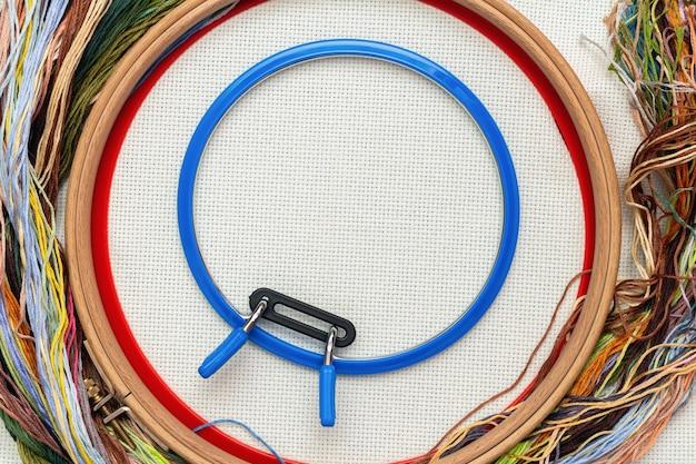 Ramki do haftu, zestaw do haftu z kolorowymi nitkami