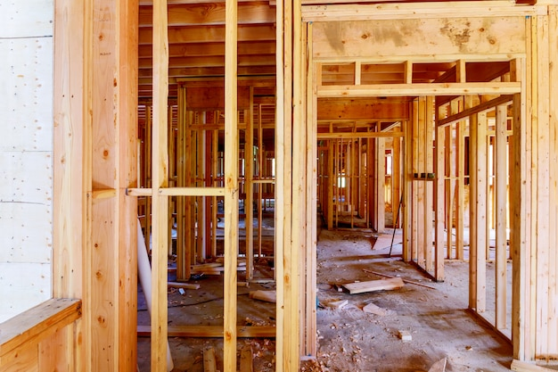 Ramy wiązki nowego domu w budowie ramy domu