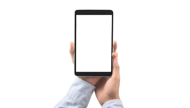 Ręce trzymające tablet z pustym ekranem na białym tle