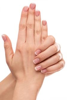 Ręce z francuskim manicure