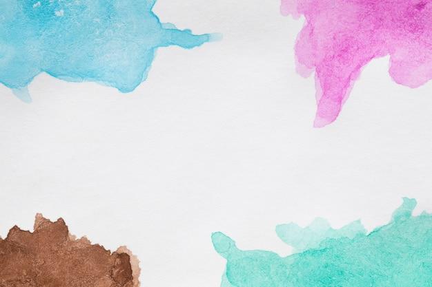 Ręcznie malowane plamy w odcieniach niebieskiego