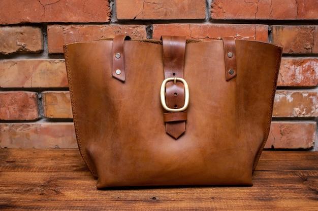 Ręcznie robiona brązowa skórzana torba na zakupy