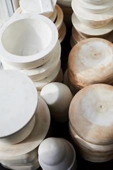 Ręcznie robiona ceramika w warsztacie