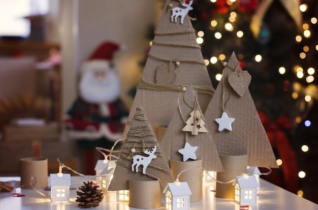Ręcznie robiona tektura choinkowa ozdoby i preparaty świąteczne dzieci kreatywność i rzemiosło