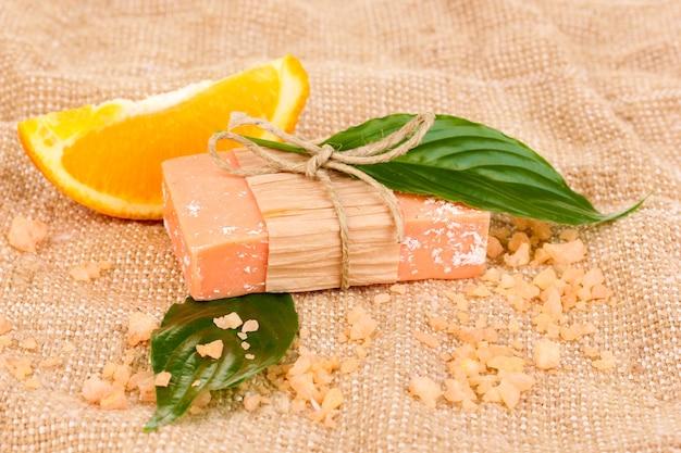 Ręcznie robione mydło naturalne na worze wory