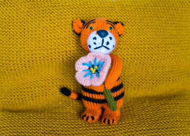 Ręcznie robione zabawki dla dzieci na drutach, pamiątka z dzianiny