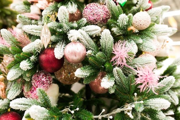 Ręcznie robione zabawki świąteczne, jodła święto bałwana świętego mikołaja