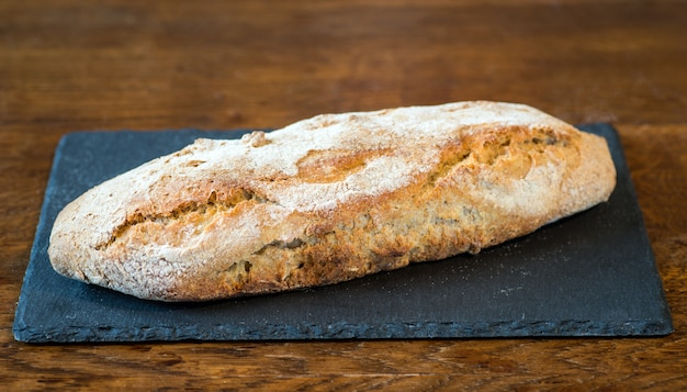 Ręcznie robiony włoski chleb