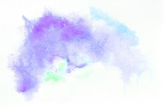 Ręcznie rysowane akwarela kształt w zimnych kolorach. kreatywnie malujący tło, ręcznie robiona dekoracja