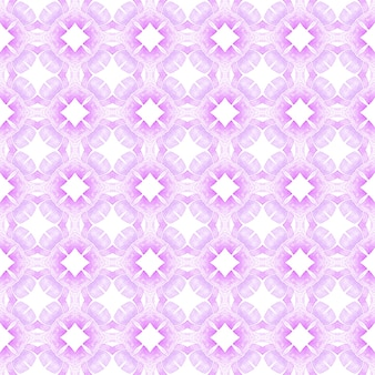 Ręcznie rysowane projekt w paski. fioletowy wyjątkowy letni szyk w stylu boho. powtarzające się paski ręcznie rysowane obramowanie. tekstylny gotowy piękny nadruk, tkanina na stroje kąpielowe, tapeta, opakowanie.