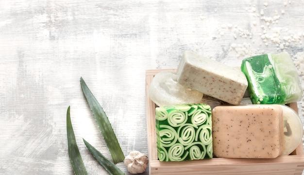 Ręcznie układane, naturalne, piękne kosmetyki ręcznie robione mydło.