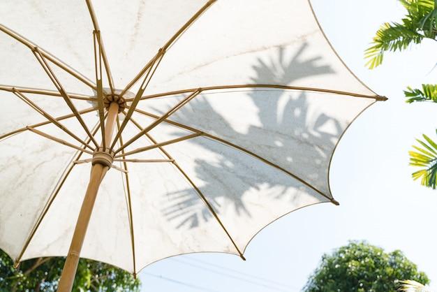 Ręcznie wykonany biały bawełniany parasol ogrodowy z azji