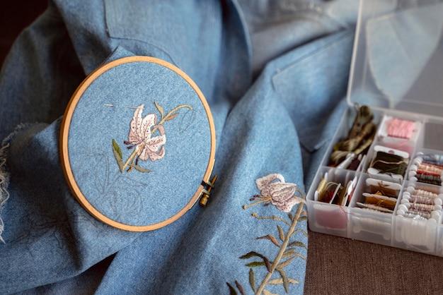 Ręcznie wykonany projekt tkaniny i akcesoria
