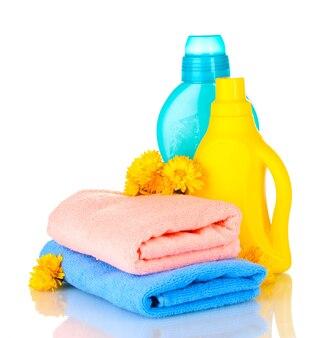 Ręcznik i czyszczenie na białym tle