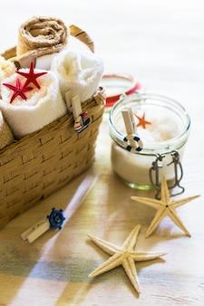Ręczniki kąpielowe i gwiazdki morskie