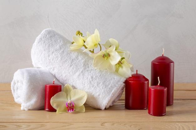 Ręczniki rolkowe z kwiatem