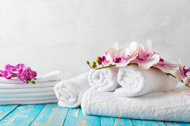 Ręczniki z kwiatem orchidei