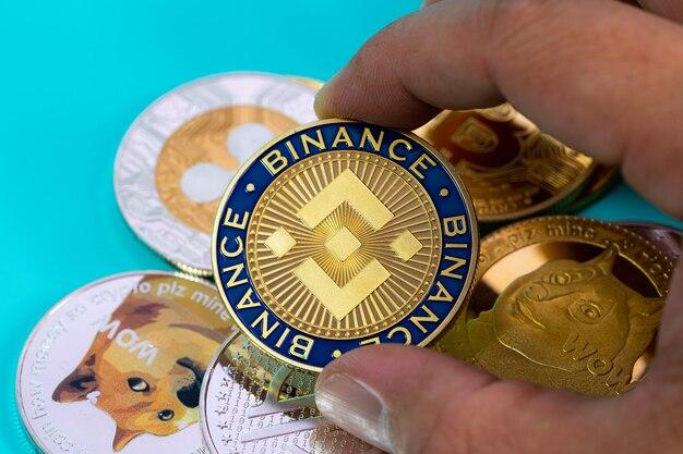 Ręką lub palcami zbieranie binance coin bnb