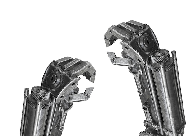 Ręka robota rzeźba robić od złomu odizolowywającego
