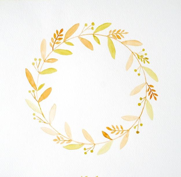 Ręka rysunek kwiaty w stylu przypominającym akwarele na białym tle papieru