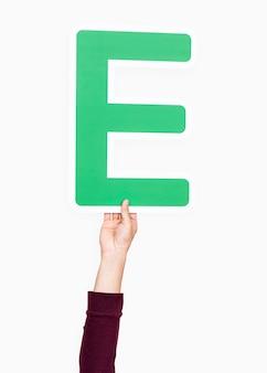 Ręka trzymająca literę e
