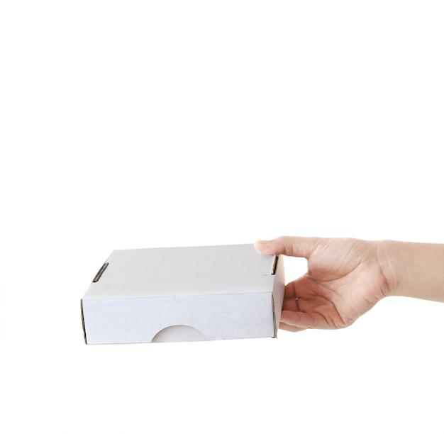 Ręka trzymająca puste pudełko