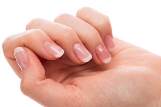 Ręka z francuskim manicure