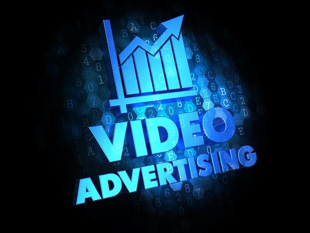 Reklama wideo z wykresem wzrostu - tekst w kolorze niebieskim na ciemnym tle cyfrowym.