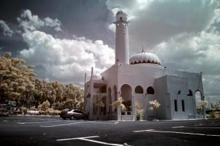 Reko droga meczet