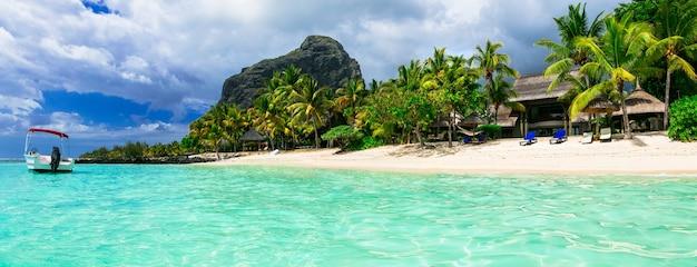 Relaksujące wakacje w tropikach - wspaniała wyspa mauritius. le morne