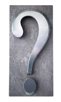 Renderowanie 3d znaku zapytania w druku metalicznym maszynopisem