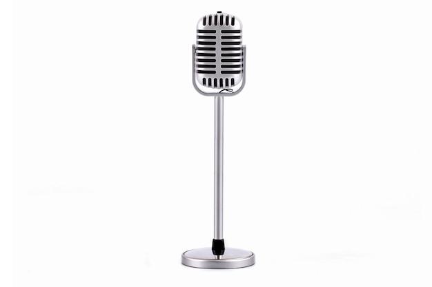 Retro mikrofon na białym tle