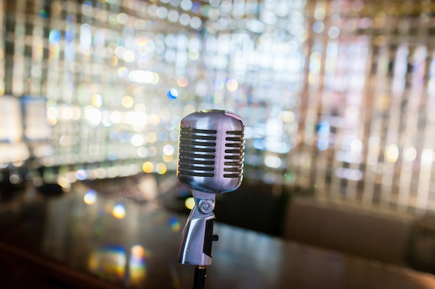 Retro stary mikrofon