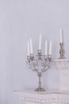 Retro świeczniki ze świecami