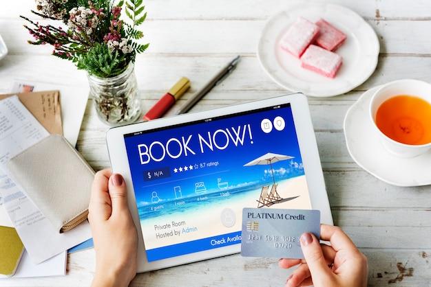 Rezerwacja biletu rezerwacja online podróż koncepcja lotu