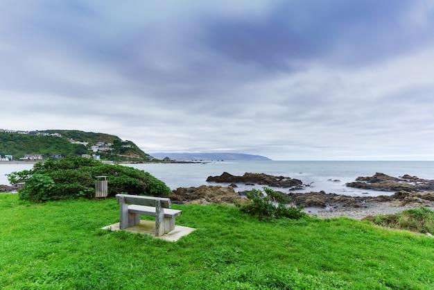 Rezerwat morski taputeranga znajduje się na południowym wybrzeżu wellington, obejmującym island bay, owhiro bay i houghton bay, wellington, north island of new zealand
