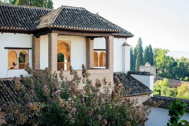 Rezydencje pałacowe wewnątrz alhambry, granada, hiszpania