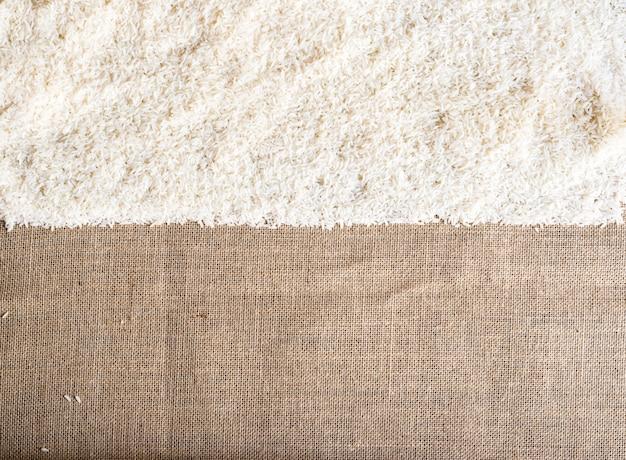 Rice na parcianym use dla tła