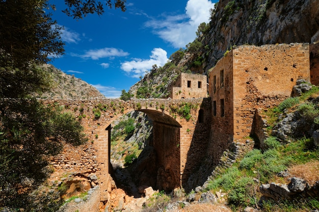Riuns katholiko monaster, chania region na crete wyspie, grecja