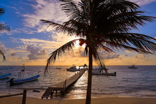 Riviera majowia wschodu słońca molo karaiby meksyk