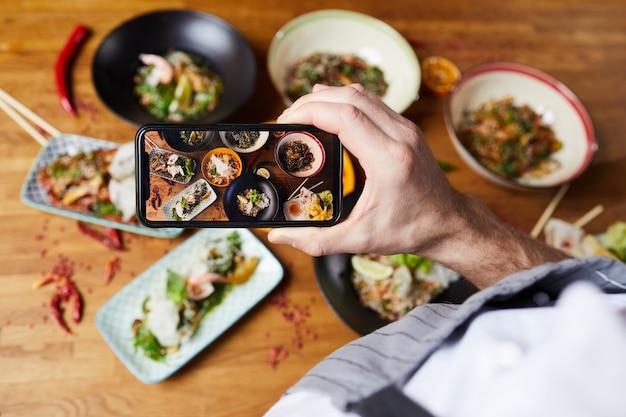 Robienie zdjęć azjatyckich potraw