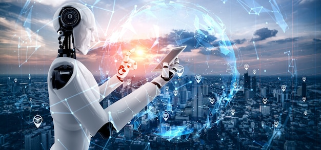 Robot humanoidalny używa telefonu komórkowego lub tabletu do globalnego połączenia sieciowego