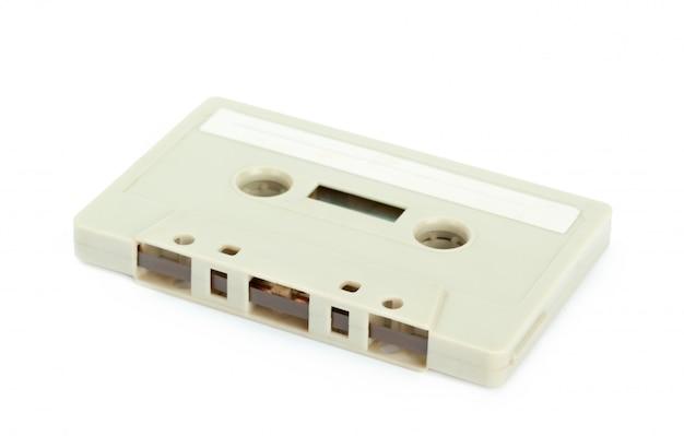Rocznik kasety taśmy odosobniony biały tło