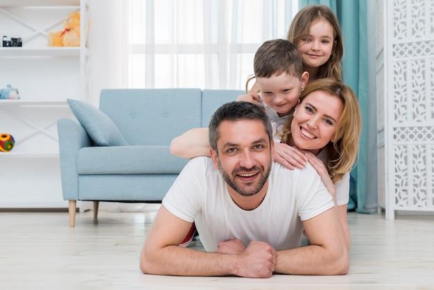 Rodzina w domu