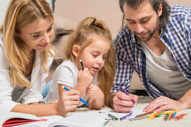 Rodzinne malowanie na podłodze