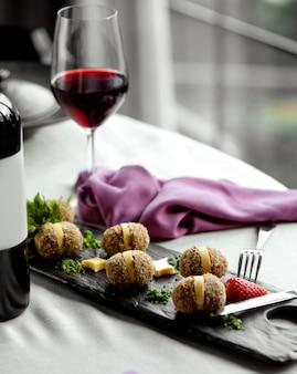 Roladki orzechowe z czerwonym winem